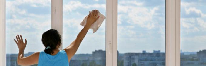 Картинки по запросу Как очистить металлопластиковое окно от уличной грязи?