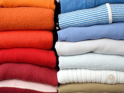Как правильно складывать рубашки, чтобы они не помялись?