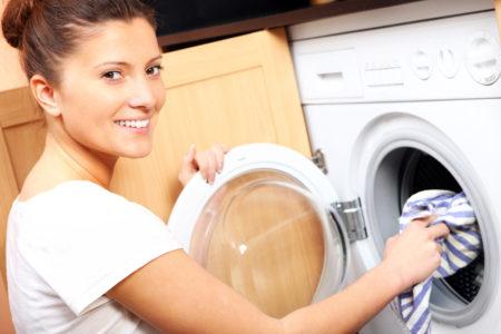 Как почистить пуховик в домашних условиях от засаленности без стирки