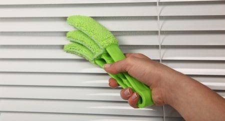 Как мыть жалюзи не снимая