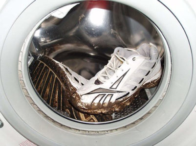 Как подготовить текстильную обувь к машинной стирке? фото