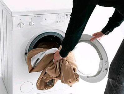 Как постирать пиджак в домашних условиях, можно ли стирать в машинке?